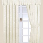 Интерьер с белыми шторами — Ремонт дома